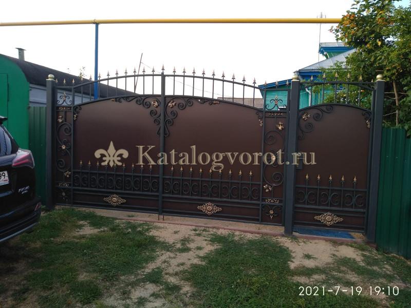 Кованые ворота с калиткой, артикул 46