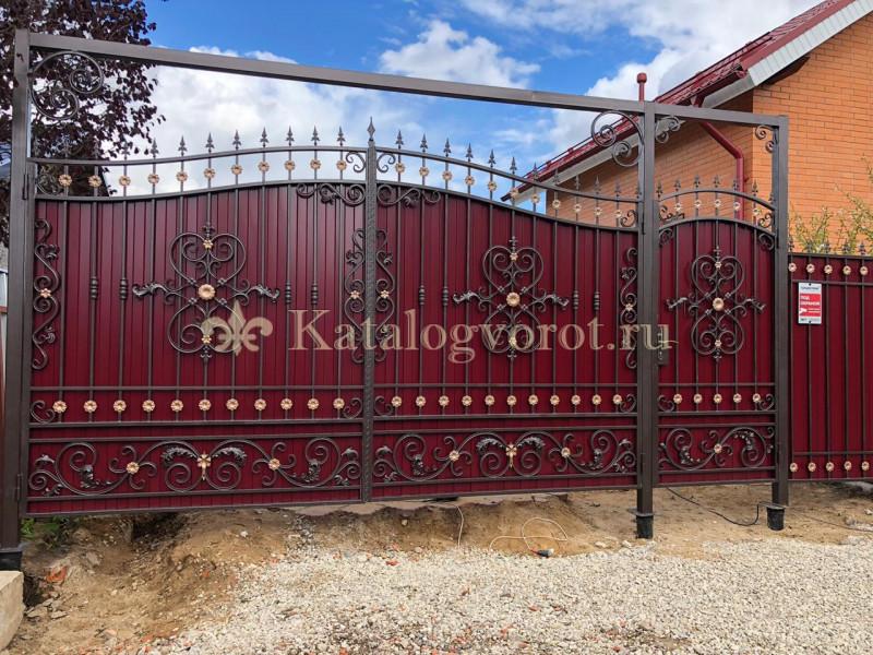 Кованые ворота с калиткой, артикул 10