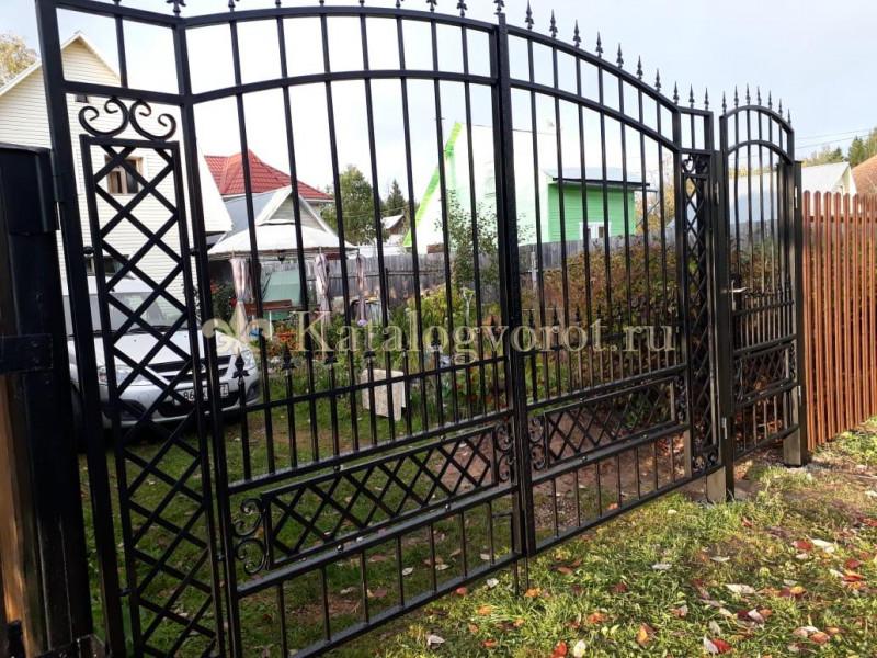 Кованые ворота с калиткой, артикул 9-3