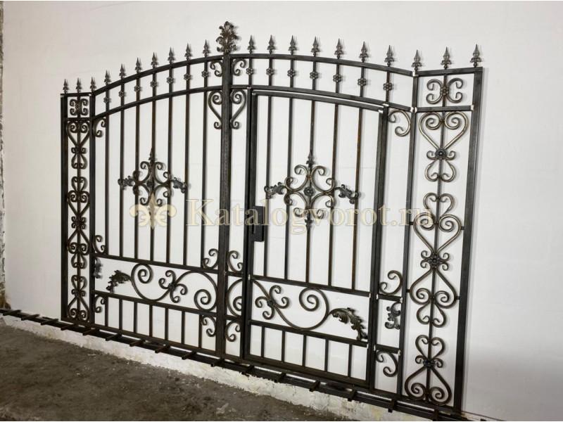 Кованые ворота со встроенной калиткой, артикул 17с